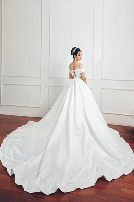 bộ sưu tập váy cưới tròn 1 Ngẩn ngơ với BST Váy cưới tròn giúp bạn trở thành công chúa trong tích tắc