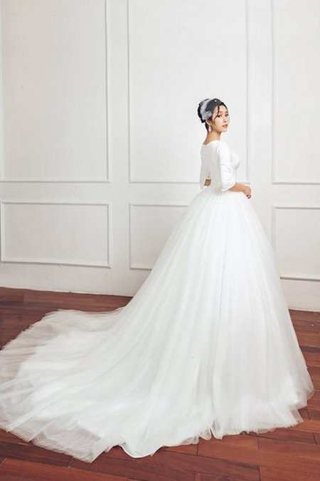 bộ sưu tập váy cưới tròn 4 Ngẩn ngơ với BST Váy cưới tròn giúp bạn trở thành công chúa trong tích tắc