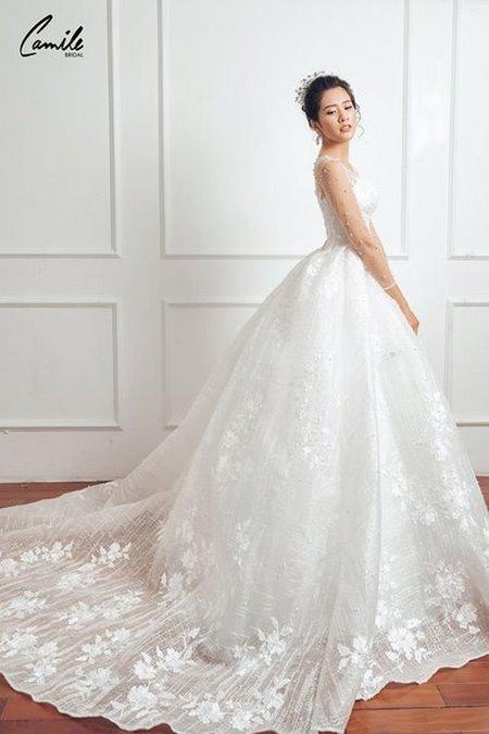 thuê váy cưới chụp ảnh 1 Dịch vụ cho thuê váy cưới chụp ảnh tại Hà Nội uy tín và chuyên nghiệp