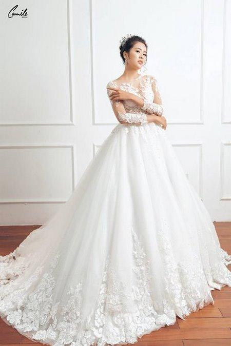 thuê váy cưới chụp ảnh 15 Dịch vụ cho thuê váy cưới chụp ảnh tại Hà Nội uy tín và chuyên nghiệp