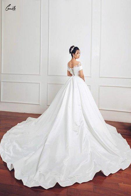 thuê váy cưới chụp ảnh 5 Dịch vụ cho thuê váy cưới chụp ảnh tại Hà Nội uy tín và chuyên nghiệp