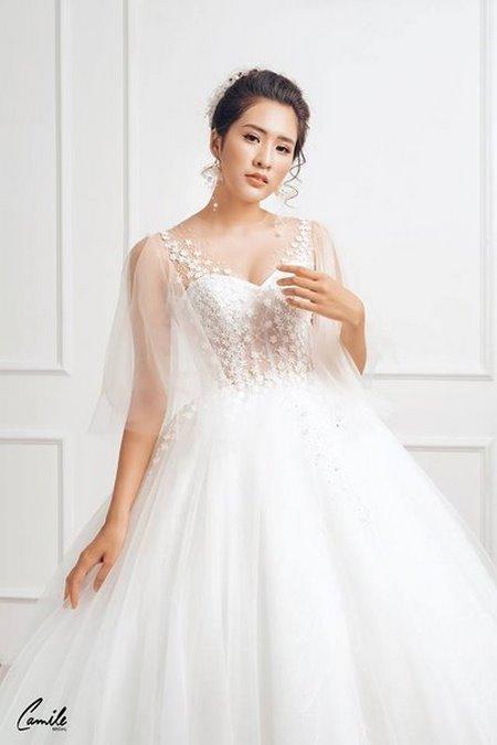 thuê váy cưới chụp ảnh 8 Dịch vụ cho thuê váy cưới chụp ảnh tại Hà Nội uy tín và chuyên nghiệp