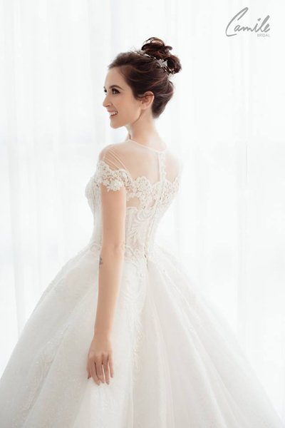 váy cưới đẹp Bí quyết chọn màu váy cưới đẹp siêu chuẩn cho các nàng dâu 2021