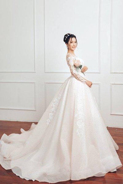váy cưới cao cấp camile bridal 3 Giới thiệu