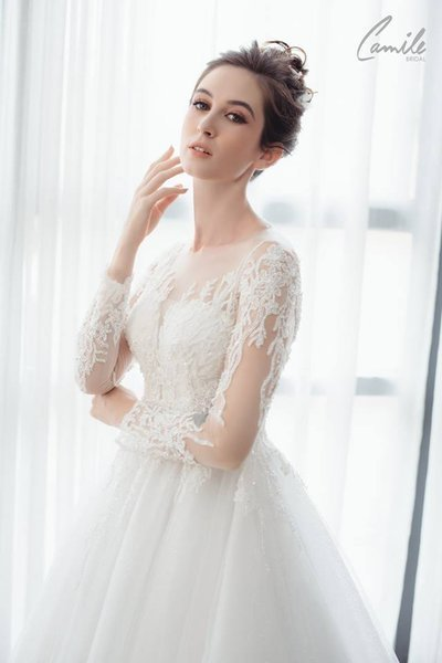 thiết kế váy cưới tay dài 1 Xinh đẹp rạng ngời với thiết kế váy cưới tay dài của Camile Bridal