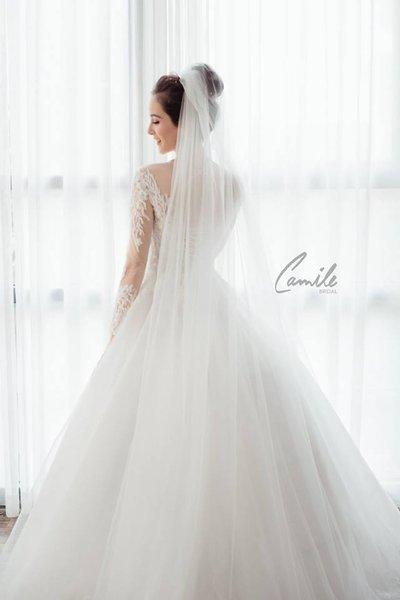 thiết kế váy cưới tay dài 6 Xinh đẹp rạng ngời với thiết kế váy cưới tay dài của Camile Bridal