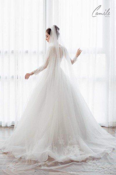 thiết kế váy cưới tay dài 7 Xinh đẹp rạng ngời với thiết kế váy cưới tay dài của Camile Bridal