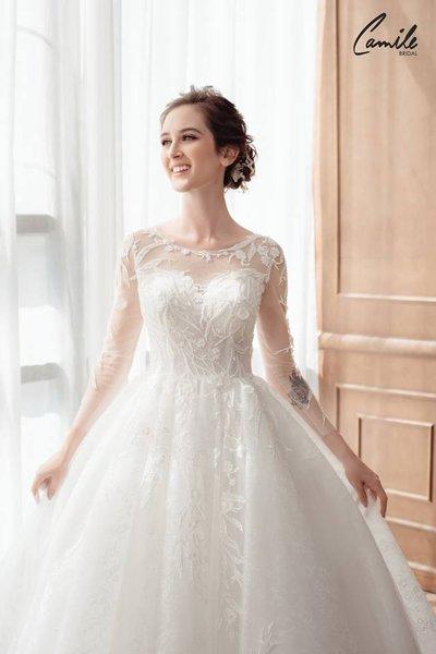 mẫu váy cưới tay dài 5 Tinh tế trong từng chi tiết với mẫu váy cưới tay dài Cinderella Luxury của Camile Bridal