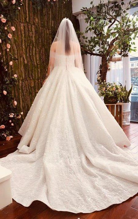 may đo thuê váy cưới 2 May đo thuê váy cưới cao cấp giá rẻ chỉ như giá thuê tại Camile Bridal