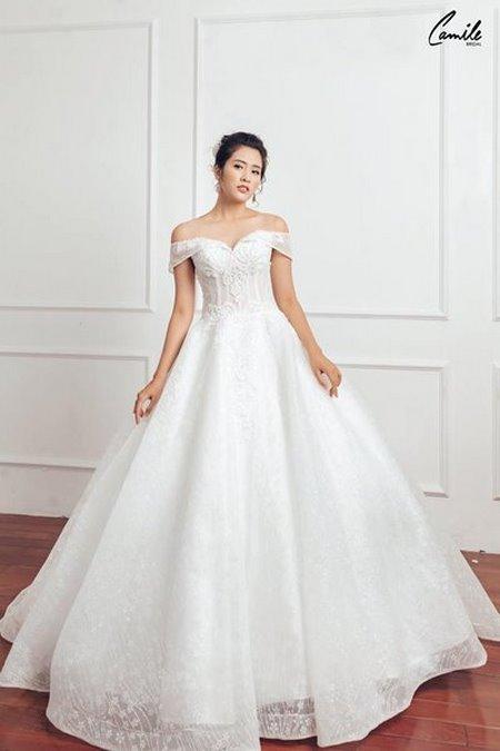 mua áo cưới 11 Mua áo cưới giá rẻ hơn thuê, sự thật có phải hay không?