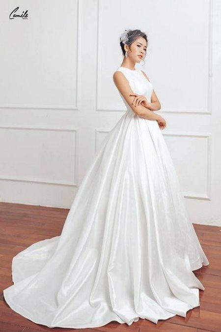 mua áo cưới 14 Mua áo cưới giá rẻ hơn thuê, sự thật có phải hay không?