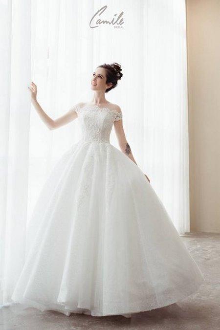 mua áo cưới 17 Mua áo cưới giá rẻ hơn thuê, sự thật có phải hay không?