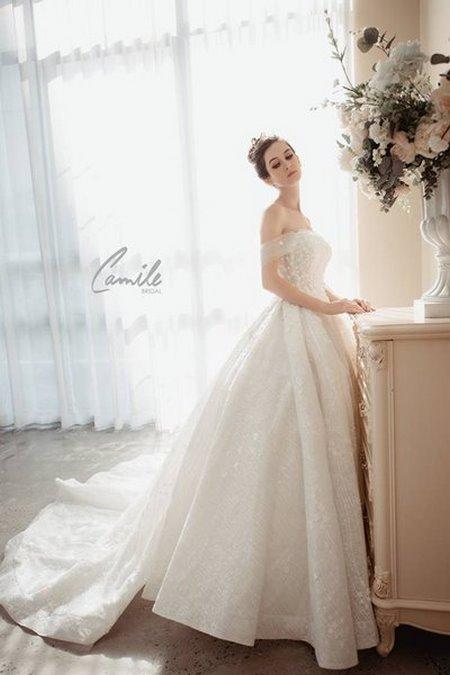 mua áo cưới 19 Mua áo cưới giá rẻ hơn thuê, sự thật có phải hay không?