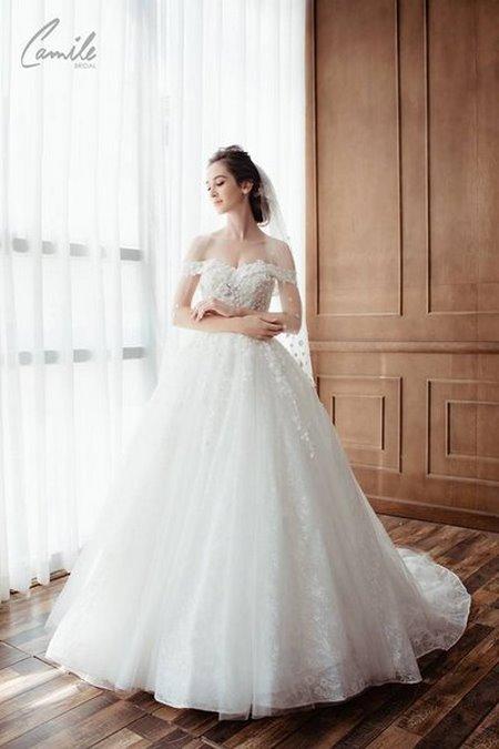 mua áo cưới 20 Mua áo cưới giá rẻ hơn thuê, sự thật có phải hay không?