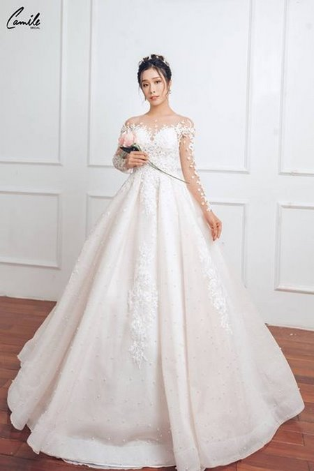 mua áo cưới 3 Mua áo cưới giá rẻ hơn thuê, sự thật có phải hay không?