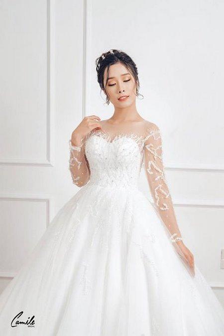 mua áo cưới 7 Mua áo cưới giá rẻ hơn thuê, sự thật có phải hay không?