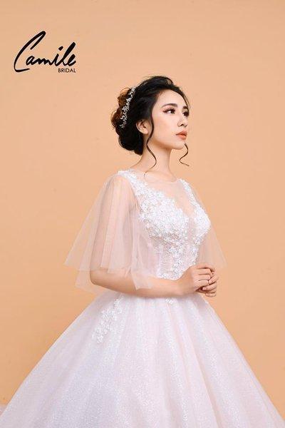 Thiết kế áo cưới 1 Mê mẩn với thiết kế áo cưới cánh tiên lộng lẫy dành riêng cho mùa Thu Đông 2018