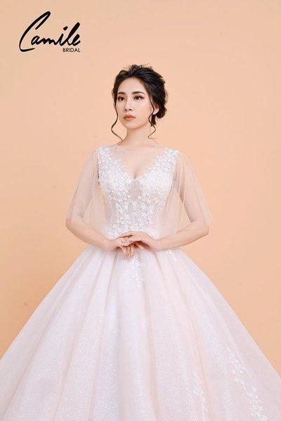 Thiết kế áo cưới 2 Mê mẩn với thiết kế áo cưới cánh tiên lộng lẫy dành riêng cho mùa Thu Đông 2018