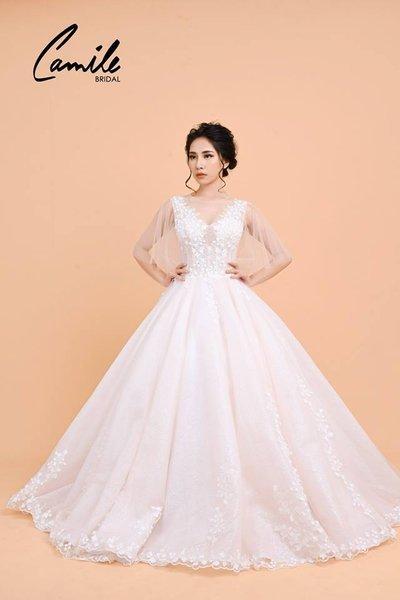 Thiết kế áo cưới 8 Mê mẩn với thiết kế áo cưới cánh tiên lộng lẫy dành riêng cho mùa Thu Đông 2018