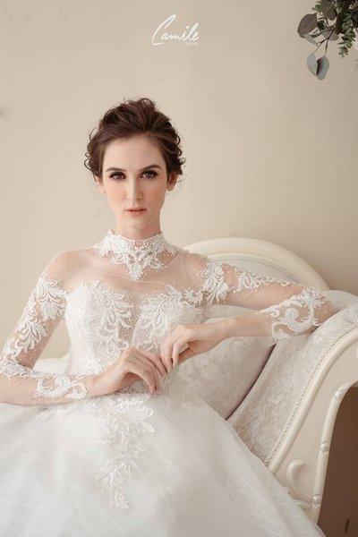 thiết kế váy cưới 2 Hóa công chúa xinh đẹp với thiết kế váy cưới Hoàng gia lộng lẫy Royal wedding dress của Camile Bridal