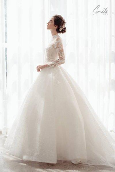 thiết kế váy cưới 3 Hóa công chúa xinh đẹp với thiết kế váy cưới Hoàng gia lộng lẫy Royal wedding dress của Camile Bridal