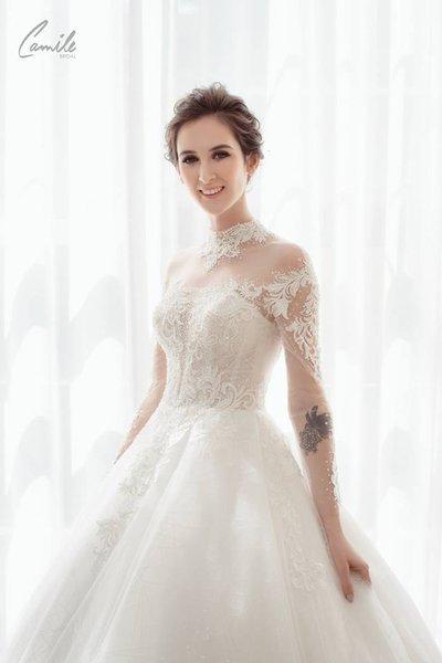 thiết kế váy cưới 4 Hóa công chúa xinh đẹp với thiết kế váy cưới Hoàng gia lộng lẫy Royal wedding dress của Camile Bridal