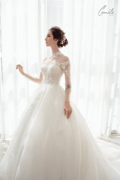 thiết kế váy cưới 6 Hóa công chúa xinh đẹp với thiết kế váy cưới Hoàng gia lộng lẫy Royal wedding dress của Camile Bridal