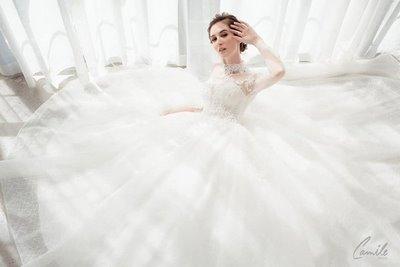 thiết kế váy cưới 7 Hóa công chúa xinh đẹp với thiết kế váy cưới Hoàng gia lộng lẫy Royal wedding dress của Camile Bridal