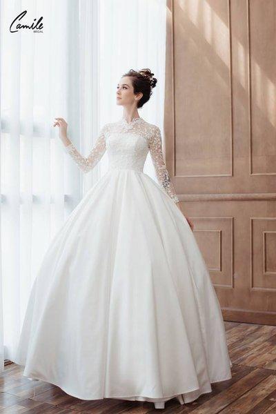 thiết kếváy cưới dài tay 1 Đẹp như một giấc mơ với thiết kế váy cưới dài tay Royal Princess của CAMILE BRIDAL