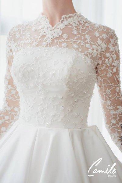 thiết kếváy cưới dài tay3 Đẹp như một giấc mơ với thiết kế váy cưới dài tay Royal Princess của CAMILE BRIDAL