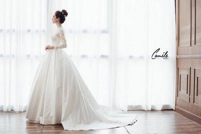 thiết kếváy cưới dài tay4 Đẹp như một giấc mơ với thiết kế váy cưới dài tay Royal Princess của CAMILE BRIDAL