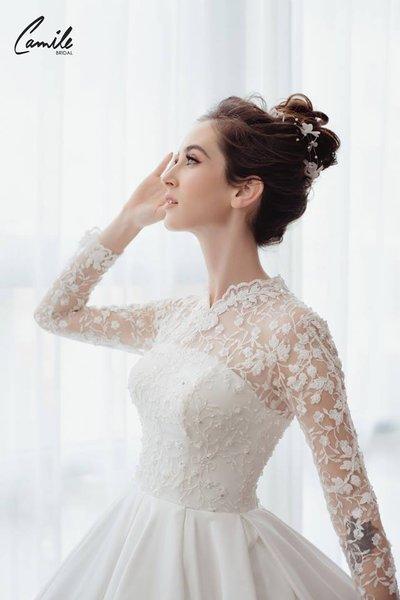 thiết kếváy cưới dài tay6 Đẹp như một giấc mơ với thiết kế váy cưới dài tay Royal Princess của CAMILE BRIDAL