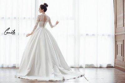 thiết kếváy cưới dài tay8 Đẹp như một giấc mơ với thiết kế váy cưới dài tay Royal Princess của CAMILE BRIDAL