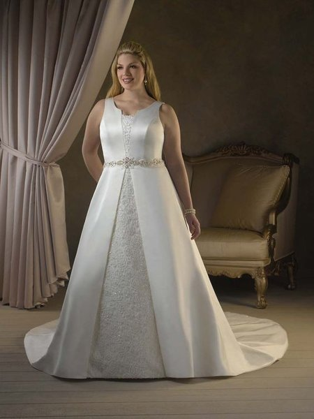 Thuê áo cưới 17 Thuê áo cưới cho cô dâu mập đẹp và rẻ nhất tại Hà Nội