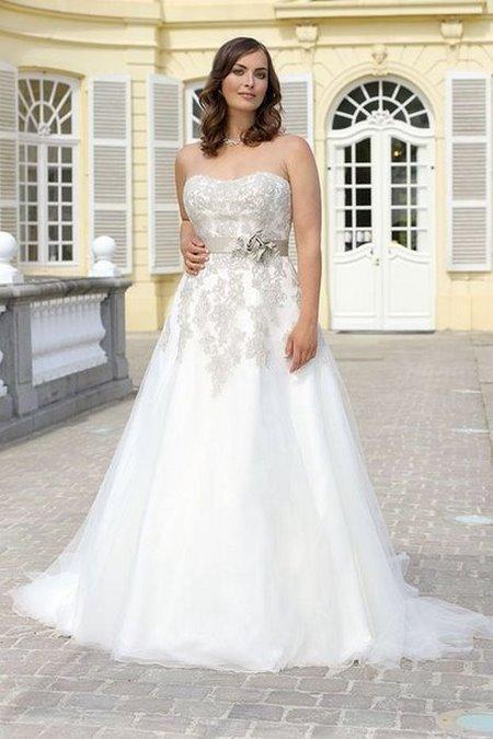Thuê áo cưới 23 Thuê áo cưới cho cô dâu mập đẹp và rẻ nhất tại Hà Nội