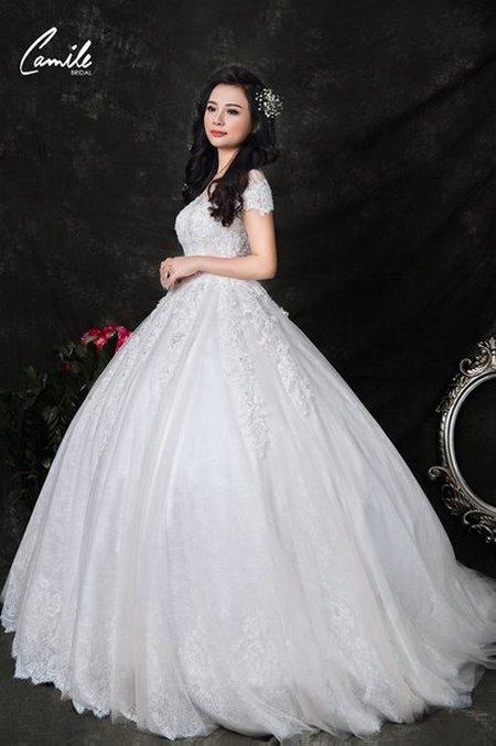 thuê váy cưới bao nhiêu tiền 16 Giải đáp thắc mắc Thuê váy cưới bao nhiêu tiền tại Hà Nội?