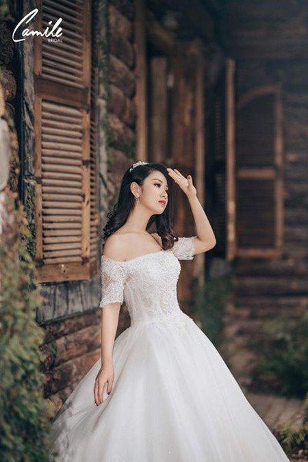 thuê váy cưới bao nhiêu tiền 2 Giải đáp thắc mắc Thuê váy cưới bao nhiêu tiền tại Hà Nội?