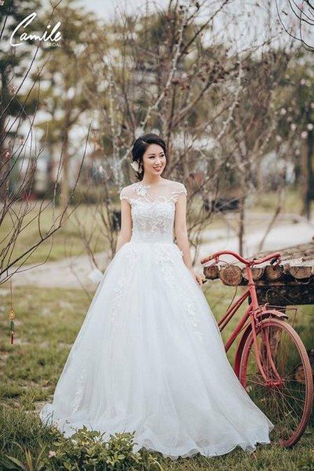 thuê váy cưới bao nhiêu tiền 7 Giải đáp thắc mắc Thuê váy cưới bao nhiêu tiền tại Hà Nội?
