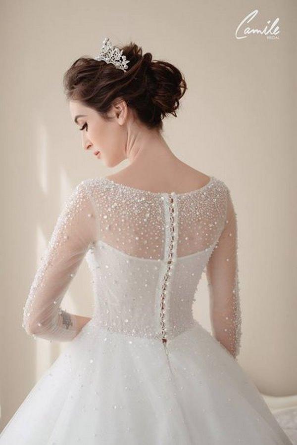 váy cưới cao cấp 8 Sang trọng và đẳng cấp với mẫu thiết kế áo cưới Cinderella's Pearl Wedding Dress