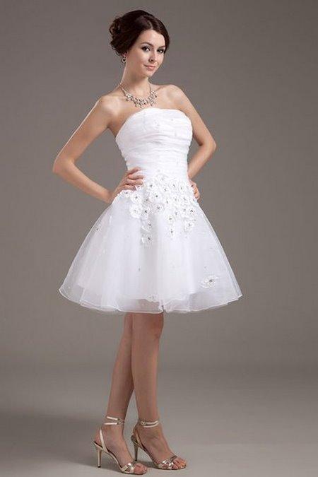thuê váy cưới đẹp 2 Tuyệt chiêu chọn thuê váy cưới đẹp cho cô dâu lùn