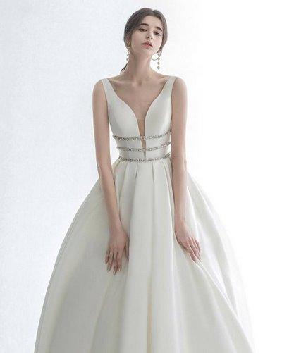 váy cưới Minimalist 2 8 Lý do khiến các cô dâu không thể không chọn váy cưới Minimalist