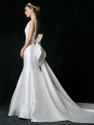 váy cưới Minimalist 3 8 Lý do khiến các cô dâu không thể không chọn váy cưới Minimalist