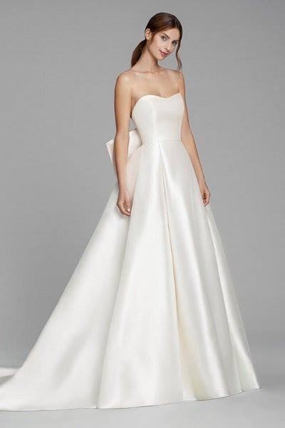 váy cưới Minimalist 6 8 Lý do khiến các cô dâu không thể không chọn váy cưới Minimalist