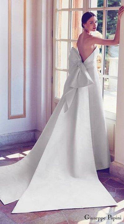 váy cưới Minimalist 7 8 Lý do khiến các cô dâu không thể không chọn váy cưới Minimalist