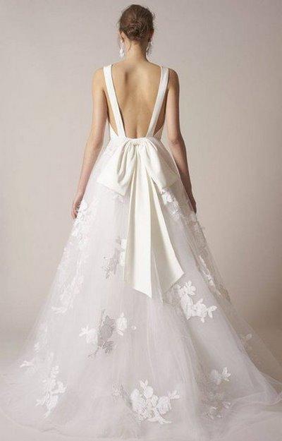 váy cưới Minimalist 9 8 Lý do khiến các cô dâu không thể không chọn váy cưới Minimalist