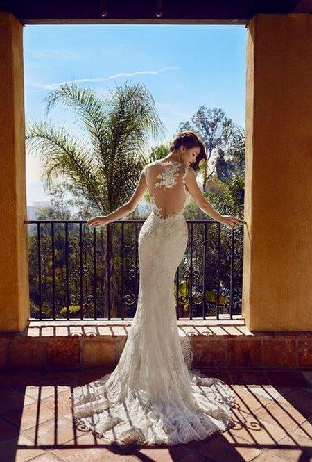 Váy cưới backless 4 4 Bí quyết mặc váy cưới backless khoe lưng trần gợi cảm cho cô dâu