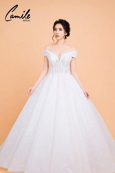váy cưới công chúa 5 Lộng lẫy như công chúa Cinderella với thiết kế váy cưới xòe bồng 2019