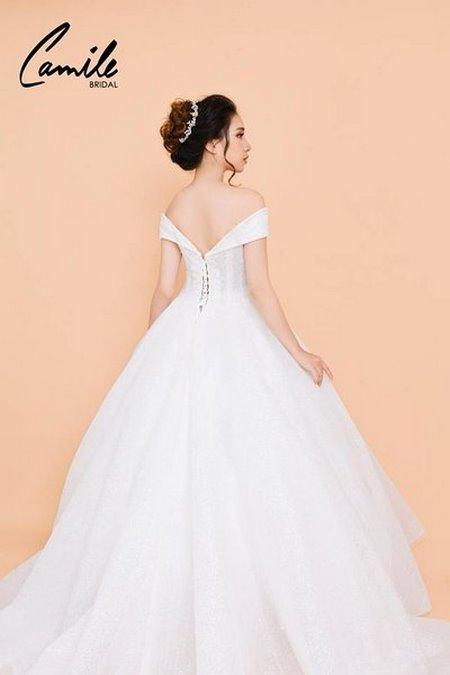 váy cưới công chúa 6 Lộng lẫy như công chúa Cinderella với thiết kế váy cưới xòe bồng 2019