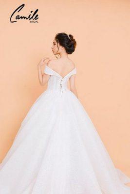 váy cưới công chúa 7 Lộng lẫy như công chúa Cinderella với thiết kế váy cưới xòe bồng 2019