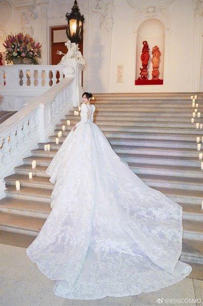 thiết kế váy cưới đẹp 3 Những mẫu váy cưới đẹp nhất của các sao Hoa ngữ